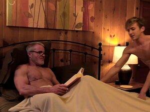 Gay Grand Père Arabe - Porno @ RueNu.com
