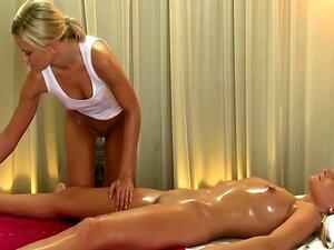 Massage videos nackt Beste Massage
